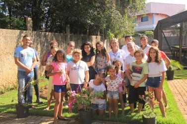 Crianças e adolescentes luverdenses visitam Museu do Cerrado