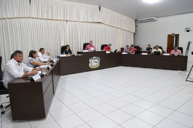 Câmara de Lucas do Rio Verde rejeita 13º para prefeito e vereadores