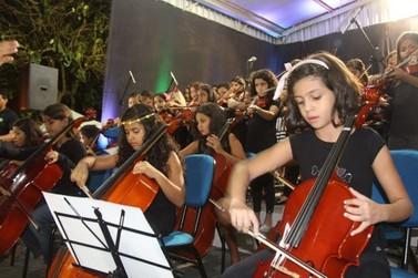 Em 3 anos, número de alunos matriculados nas oficinas culturais cresceu 454,5%