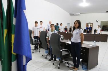 Vereadores mirins são diplomados e empossados em Lucas do Rio Verde