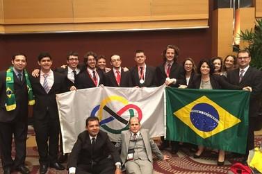 Alunos do Brasil levam 6 medalhas nas Olimpíadas Internacionais de Matemática