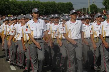 Escola Militar Tiradentes de Lucas do Rio Verde comemora primeiro aniversário