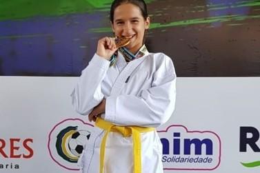 Karateca de Lucas do Rio Verde é ouro no Brasileiro de Karatê Esportivo