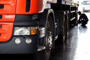 FRETE: Tabelamento descontenta transportadores, agricultores e governo