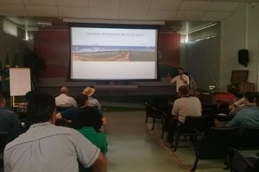 Produtores participam de curso que visa aumentar a produção de camarão no estado