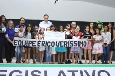 Érico Veríssimo e Márcio Schabatt vencem 2º FESTECO de Lucas do Rio Verde