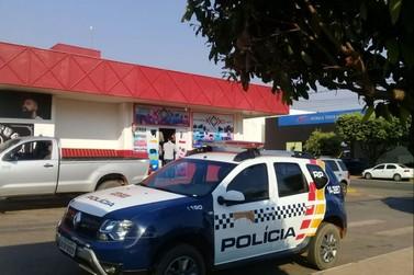 Menor de 16 anos é apreendido após tentar roubar loja na Av. Goiás