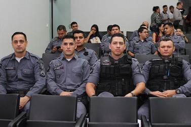 Policiais e Bombeiros de Lucas do Rio Verde recebem moção de aplauso