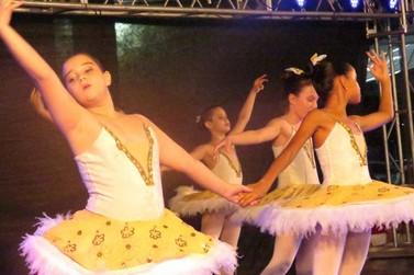 Natal para Todos emociona público de Lucas do Rio Verde com dança e música