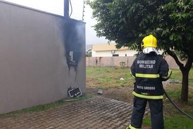 Incêndio em padrão de energia causa susto em moradores do bairro Bandeirantes