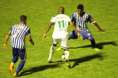 """Luverdense: """"Bom jogo, mas não há o que comemorar"""", diz José Roberto após empate"""