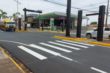 Secretaria de Trânsito alerta para funcionamento de semáforo na Goiás