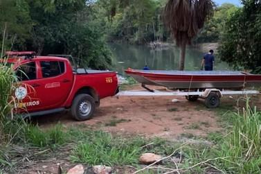 Corpo de homem morto com pelo menos 20 facadas é resgatado do Rio Verde