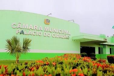 Vereadores divergem, mas aprovam reajuste salarial a prefeito,vice e secretários