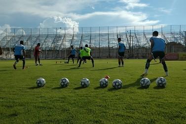 Jogadores do Luverdense se apresentam aos poucos e começam preparação para 2021