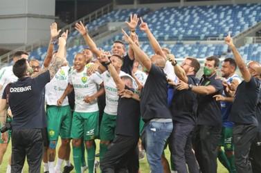 Mesmo com derrota, Cuiabá comemora inédito acesso à Série A