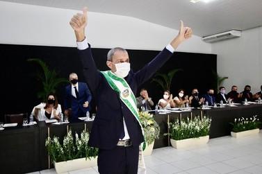 Miguel Vaz toma posse como prefeito em Lucas do Rio Verde em sessão restrita