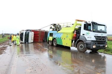 Acidente na BR 163 em Nova Mutum deixa trânsito lento nesta sexta-feira (05)