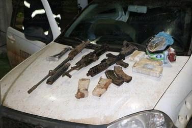 Homem que transportava fuzis e droga é detido na BR 163 em Nova Mutum
