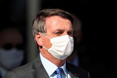 Presidente Bolsonaro declara novo auxílio, mas defende a volta do comércio