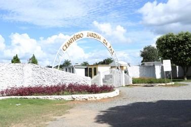Famílias são convocadas para recadastramento de túmulos do Cemitério Municipal