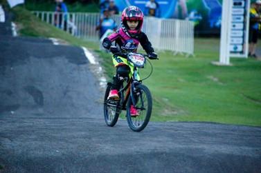 Prefeitura inicia escolinha de bicicross em Lucas do Rio Verde