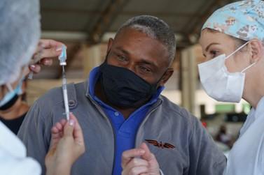 Covid: Lucas do Rio Verde imuniza cerca de 1.500 pessoas com 35 anos