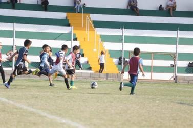 Prefeitura e LEC assinam termo para início das escolinhas de futebol