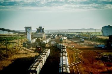 Governo assina contrato para construção da 1ª Ferrovia Estadual de MT