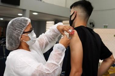 Vacinação em adolescentes terá início somente em outubro em Lucas do Rio Verde