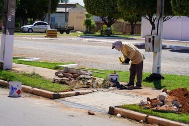 Secretaria de Planejamento inicia melhorias no cemitério para feriado de Finados