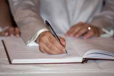 Fundação Renova assina acordo priorizando mão de obra local