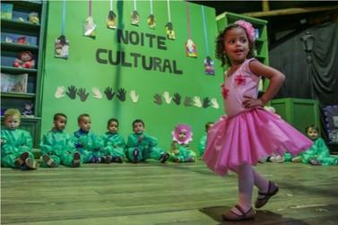 CMEI Tia Elza celebra criação de biblioteca com Noite Cultural
