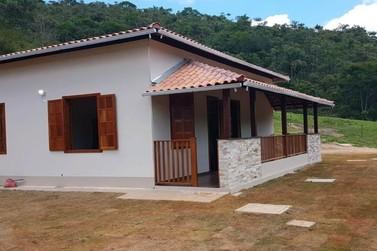 Pessoas atingidas da zona rural de Mariana e Barra Longa têm casas reconstruídas