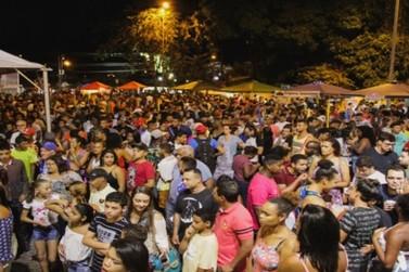Hoje é Carnaval na Feira Noturna!