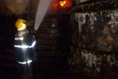 Incêndio atinge Igreja do Rosário, em Ouro Preto