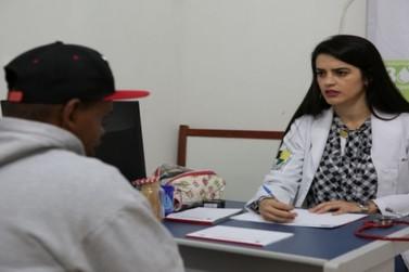 Secretaria de Saúde presta esclarecimentos sobre falta de remédios