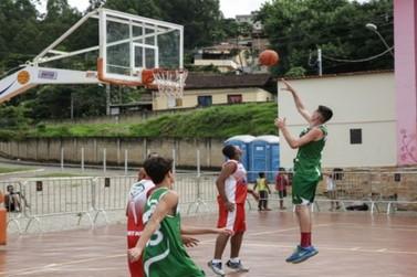Basquete 3x3 agita o final de semana na Arena Mariana