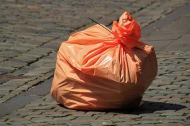 Coleta de lixo será suspensa no feriado de 1º de maio