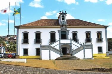 Câmara homenageia personalidades de Mariana
