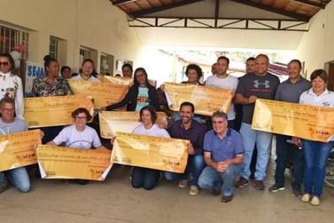Cerimônia marca entrega de R$250 mil para 10 entidades filantrópicas de Mariana