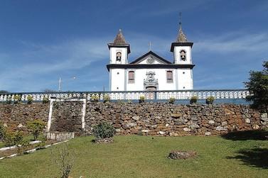 Festa de Santa Rita Durão promete agitar distrito de Mariana