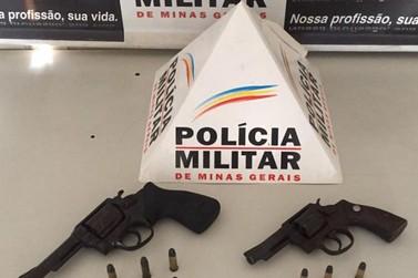 PM prende homem por posse ilegal de armas de fogo na zona rural de Mariana