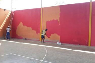 Quadras poliesportivas de distritos de Mariana ganham obras de melhorias