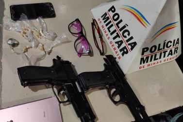 Mulheres são presas pela PM por roubo e tráfico de drogas em Ouro Preto