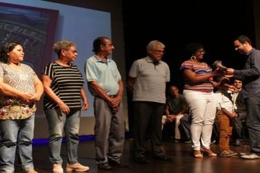 Bandas de música de Mariana recebem Almanaques gravados com músicas da cidade