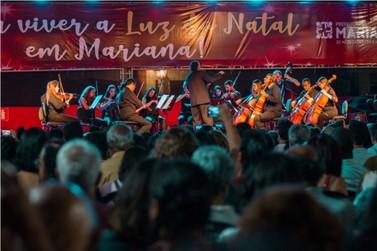 Orquestras emocionam Mariana em apresentações na Praça da Sé