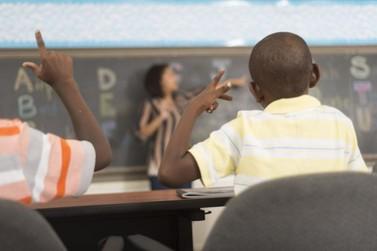 Escolas de Mariana contam com ensino de Libras através de Educação Inclusiva
