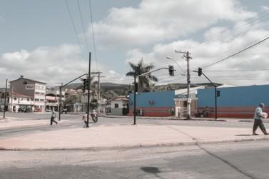 Trecho próximo à Arena Mariana ganha novos semáforos