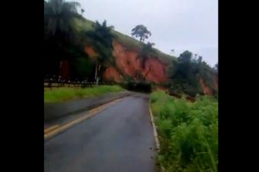 Chuva bloqueia acesso para Diogo de Vasconcelos